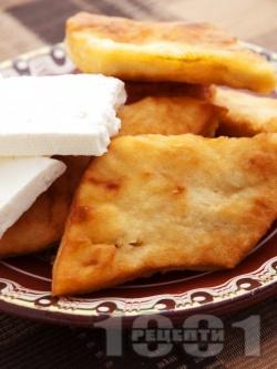 Бързи и лесни домашни мекици с тесто от кисело мляко и сода (без втасване) за закуска със сирене - снимка на рецептата